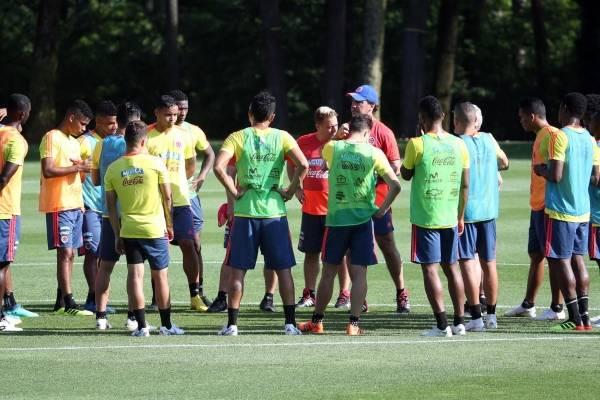 Cristian Zapata no jugaría ante Japón