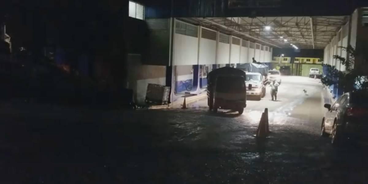 VIDEO. No permiten ingreso de camiones con donaciones provenientes de El Salvador