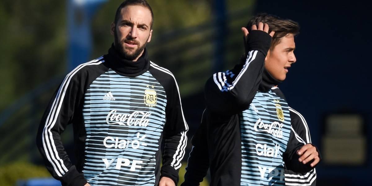 ¿Erra hasta un abrazo? Gonzalo Higuaín es blanco de burlas por un divertida acción