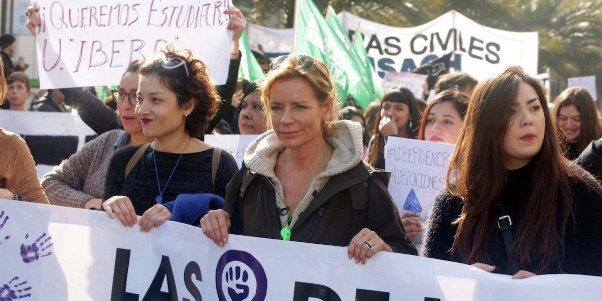 """Presentes y consecuentes: equipo de """"No culpes a la noche"""" presente en marcha feminista"""
