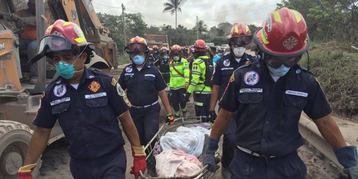 """VIDEO. Dramáticos momentos del rescate de nueve cuerpos en la """"zona cero"""""""