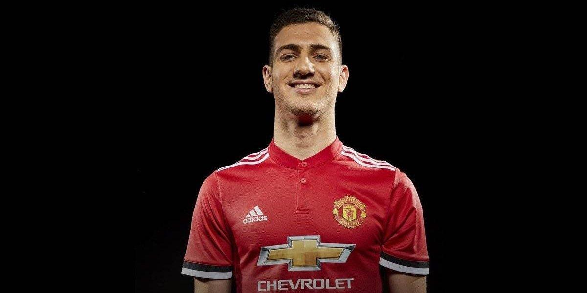Alexis Sánchez sigue sumando nuevos compañeros en Manchester United
