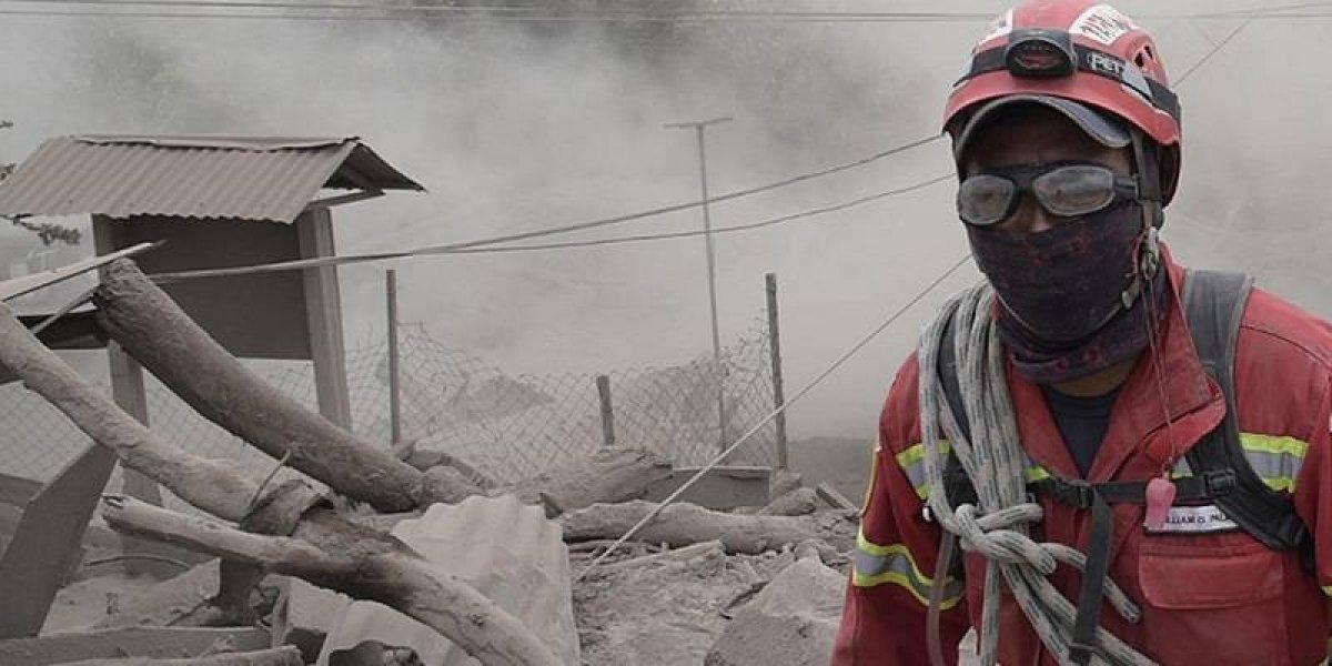 Guatemala busca a casi 200 desaparecidos y los muertos por el volcán ascienden a 82