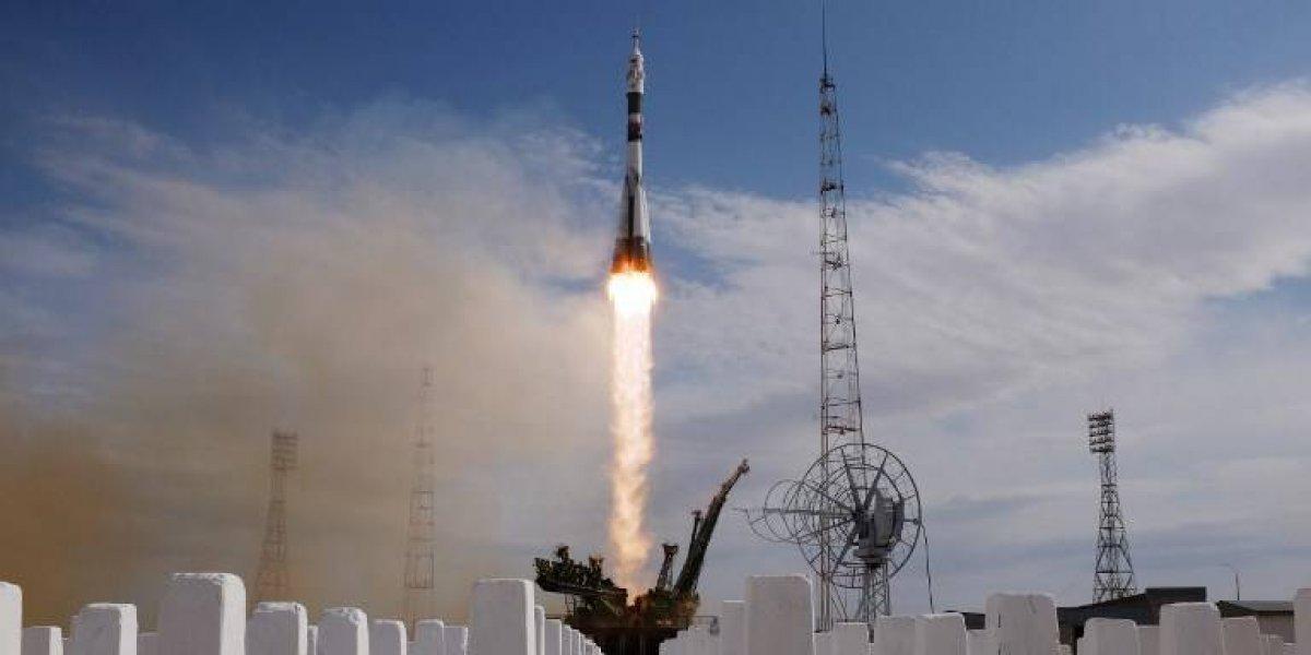 Nave Soyuz despega hacia la EEI con tres astronautas a bordo