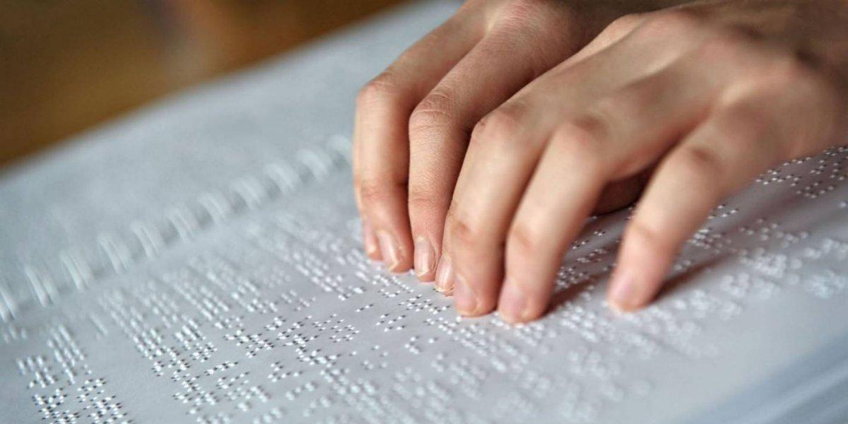 ONDA garantiza textos impresos y digitales a personas ciegas