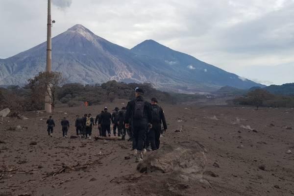 PNC apoya en búsqueda de víctimas de erupción