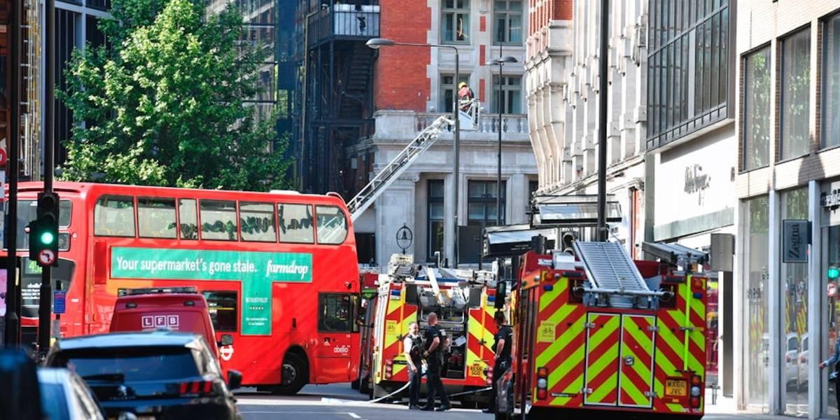 Incendio en lujoso hotel en centro de Londres