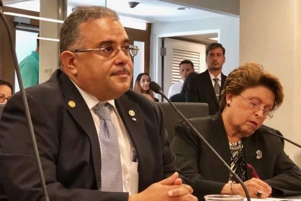 Gobernador de Puerto Rico reconoce 2,975 muertos a causa del huracán María