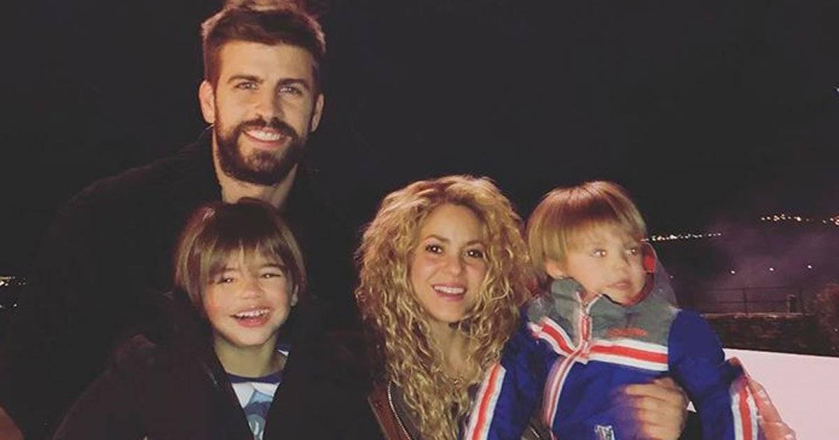 Shakira e Piqué com os filhos