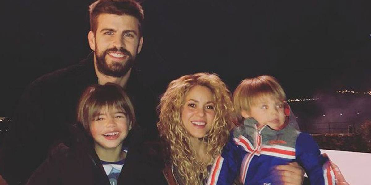 Que fofura! Shakira volta a ser criança e patina com os dois filhos