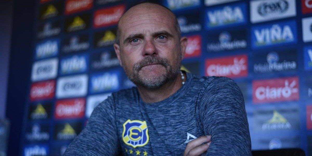 """Nuevo DT de Everton sueña con la permanencia: """"El primer objetivo es mantenerse en Primera"""""""