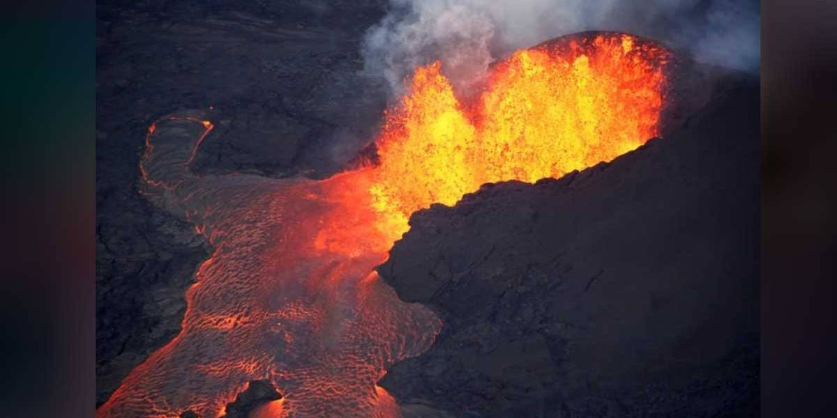 Lava de vulcão no Havaí destrói dezenas de casas