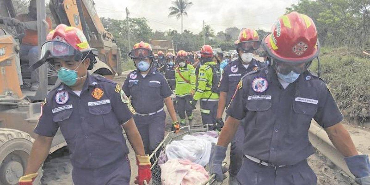 Guatemala: Dramáticos momentos del rescate de cuerpos en zona cero