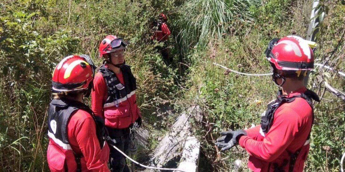 Bomberos Quito realiza labores de búsqueda y rescate de persona extraviada en el sector de Guápulo