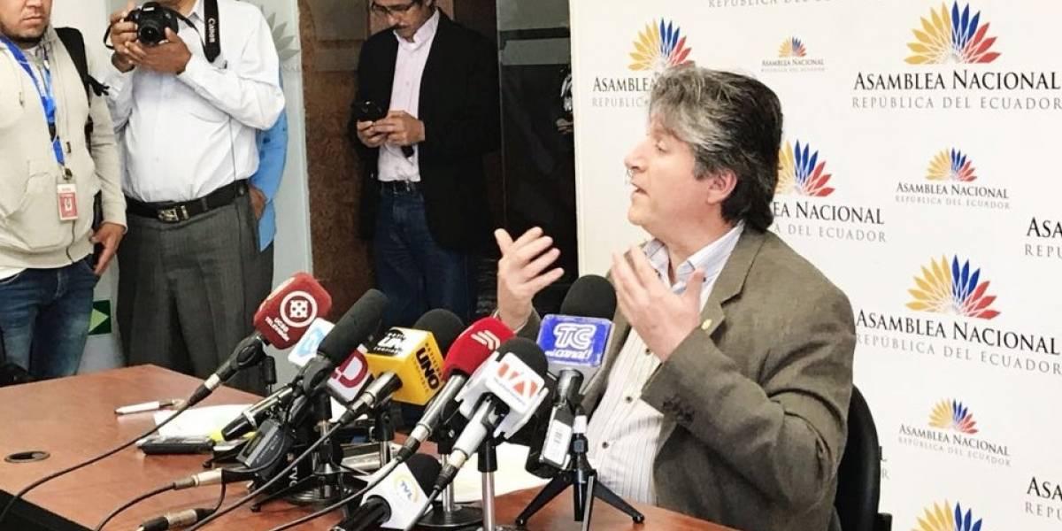 CREO pide investigar al ministro de Agricultura, Rubén Flores, en la Fiscalía