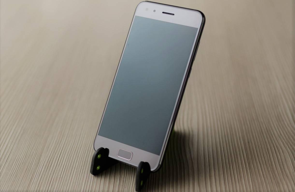 Asus ZenFone 4 Pro: la barrera que delimita la gama media de la alta