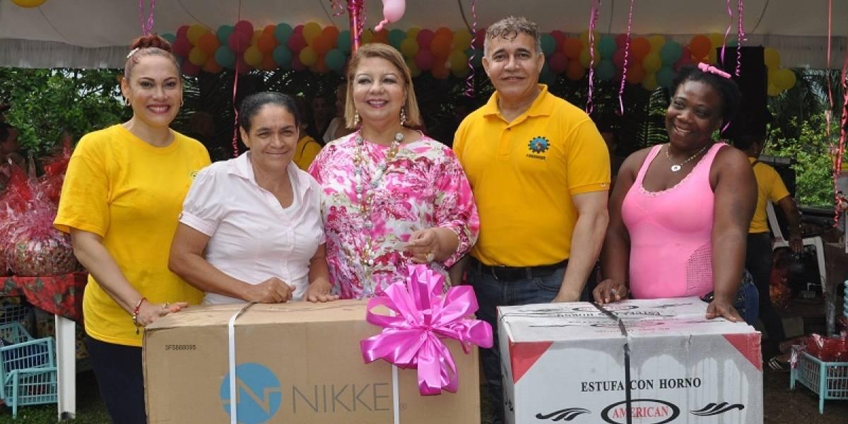 #TeVimosEn: FUDONIDE reconoce a madres valiosas de Villa Mella