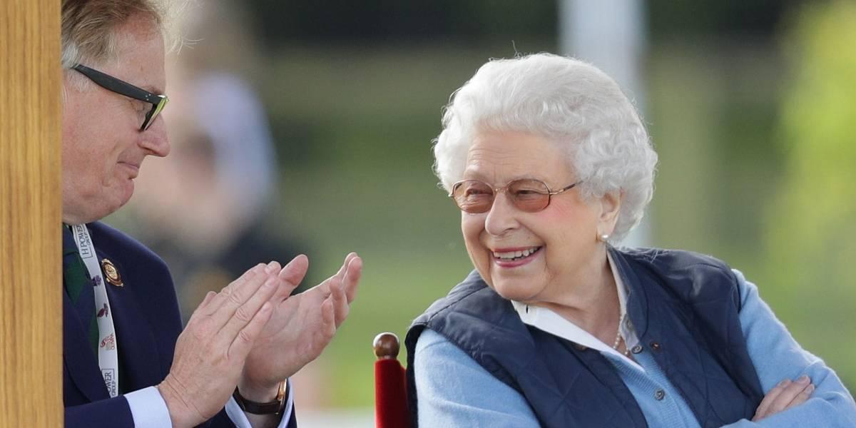 ¿Por qué la reina Isabel II tiene dos cumpleaños (y seguramente el doble de regalos)?