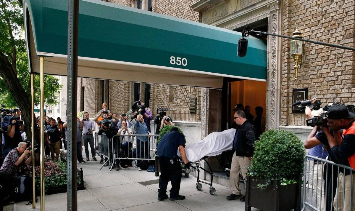 La policía de Nueva York traslada el cuerpo de la diseñadora Kate Spade