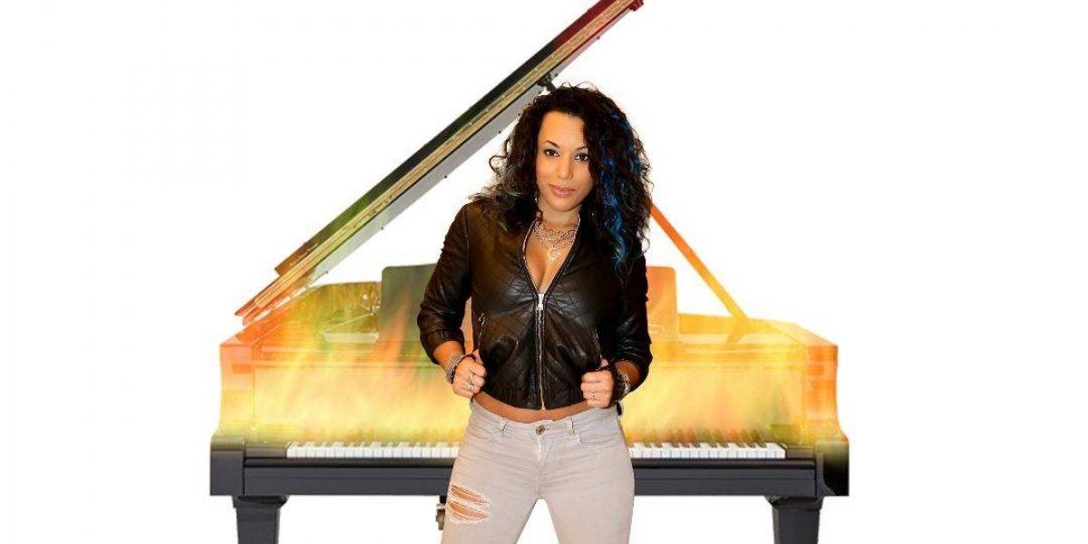 Leisha presentará su primer disco
