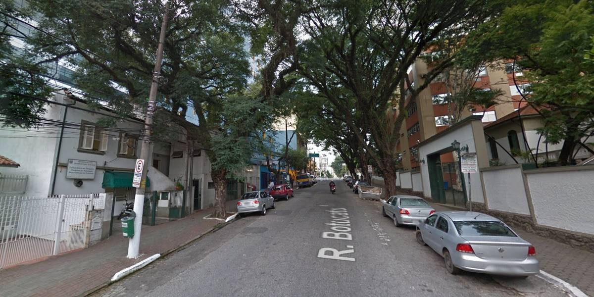 Festa na Vila Clementino, zona sul de São Paulo, interdita rua neste domingo