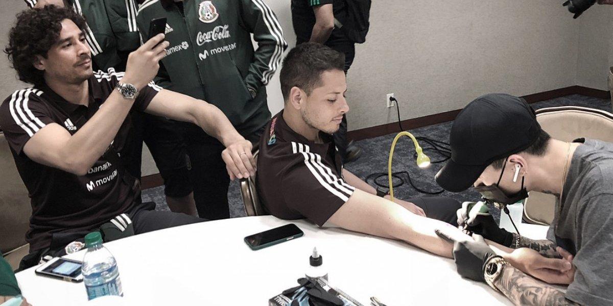 FOTO: 'Chicharito' Hernández presume tatuaje sin importar estereotipos