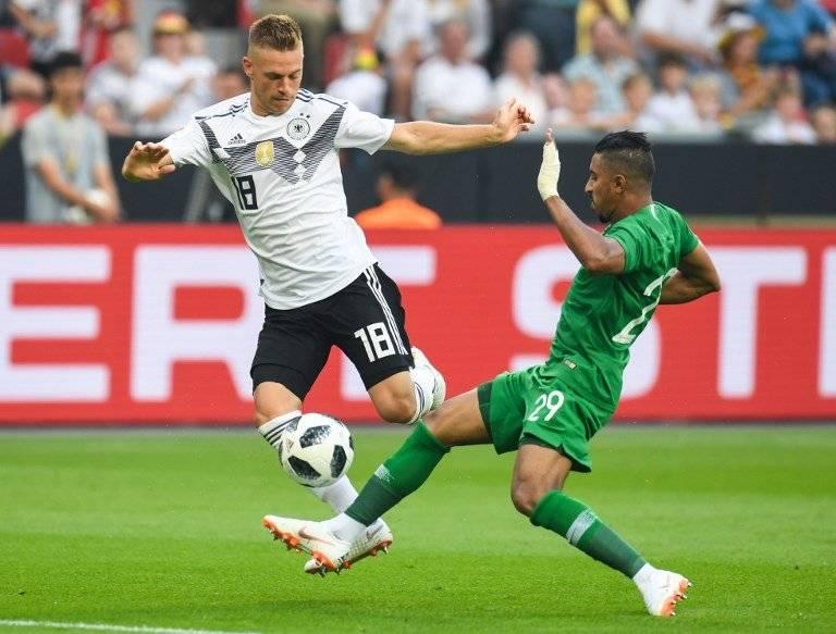 Acción del partido entre alemanes y árabes