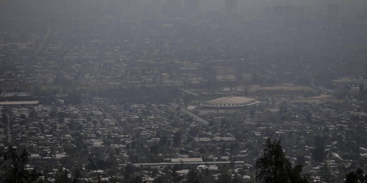 Calefactores y fogatas están prohibidos: confirman 14ª alerta ambiental en la Región Metropolitana