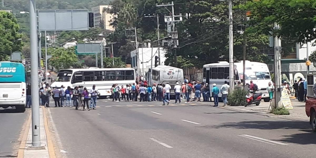 ¿Qué pide la CNTE para quitar sus bloqueos?