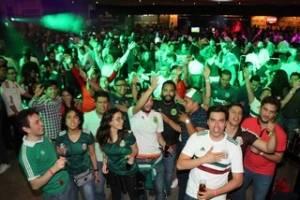 Fotos de la fiesta #camaradaAzteca para la afición mexicana