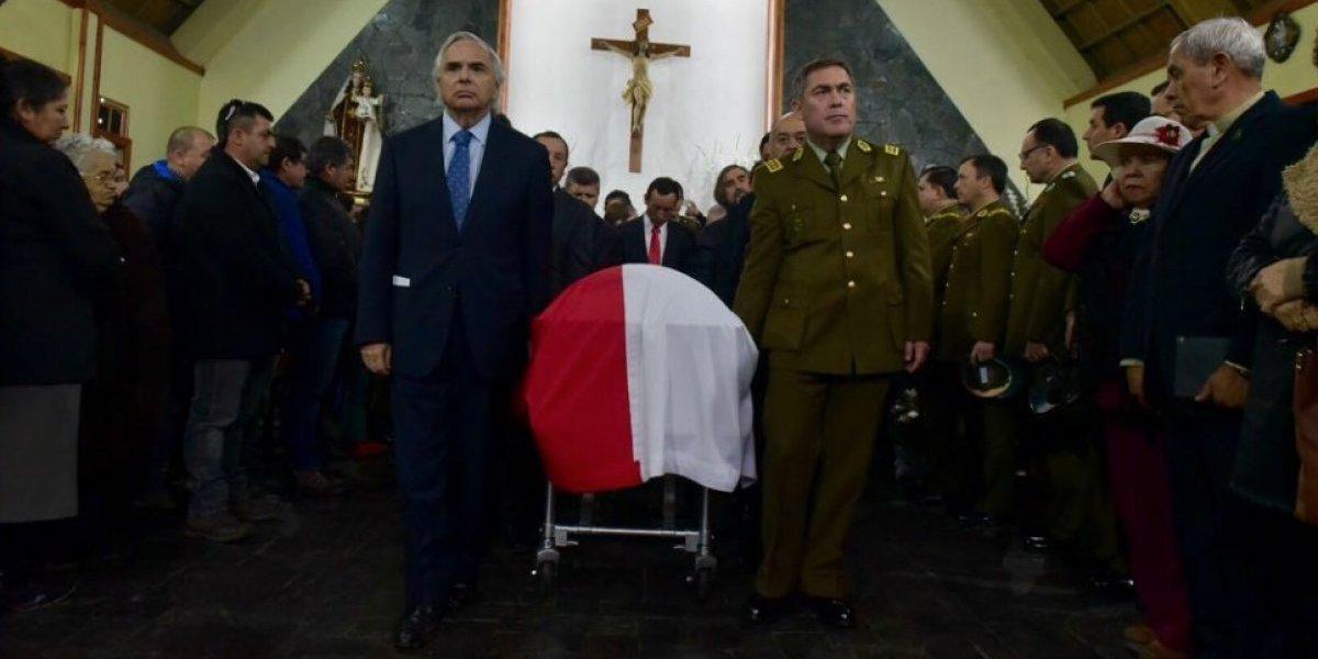 Ministro del Interior y general Hermes Soto despidieron al cabo Galindo en emotiva ceremonia en Cañete
