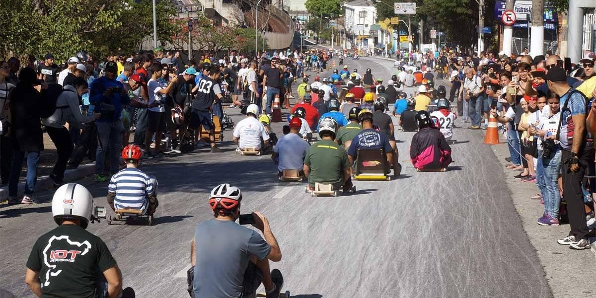 CET interdita rua na Mooca para passeio de carrinho de rolimã