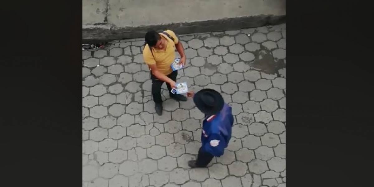 "Denuncian a hombre que vende ""película"" de la tragedia del Volcán de Fuego"