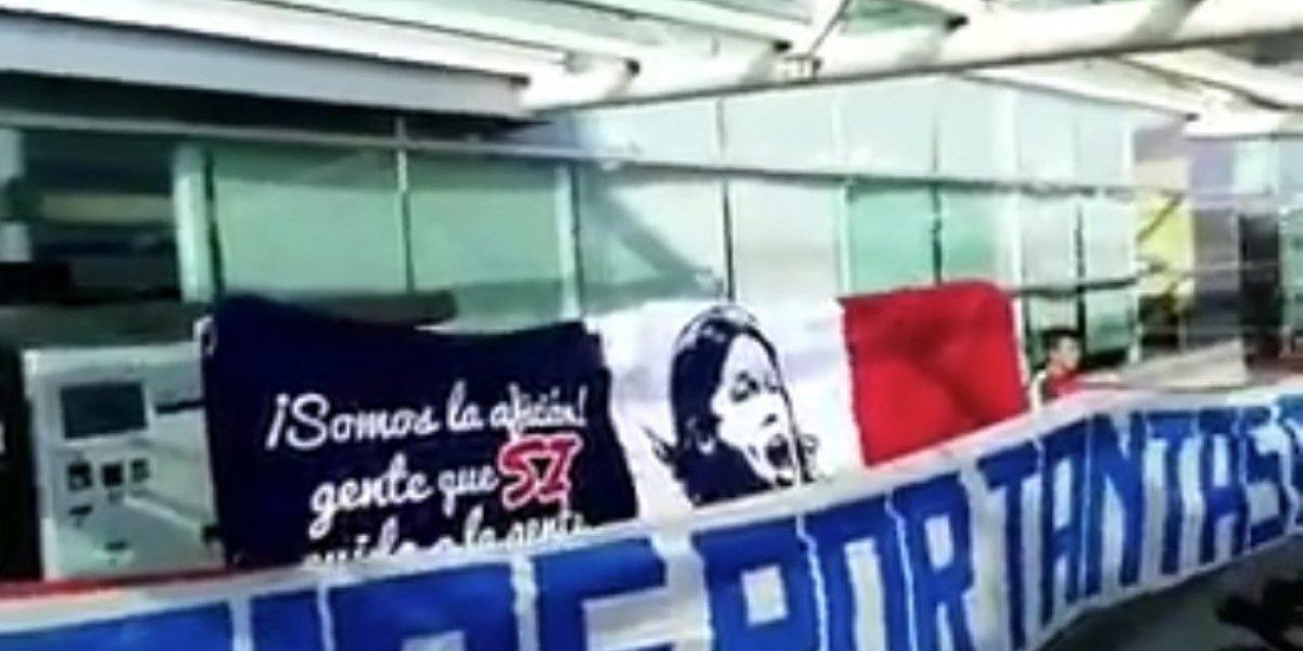 VIDEO: Aficionados esperan a Matías Almeyda en Aeropuerto