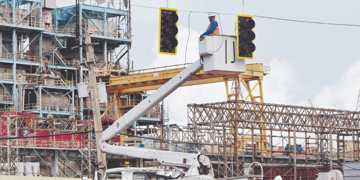 A esperar más por el arreglo de los semáforos