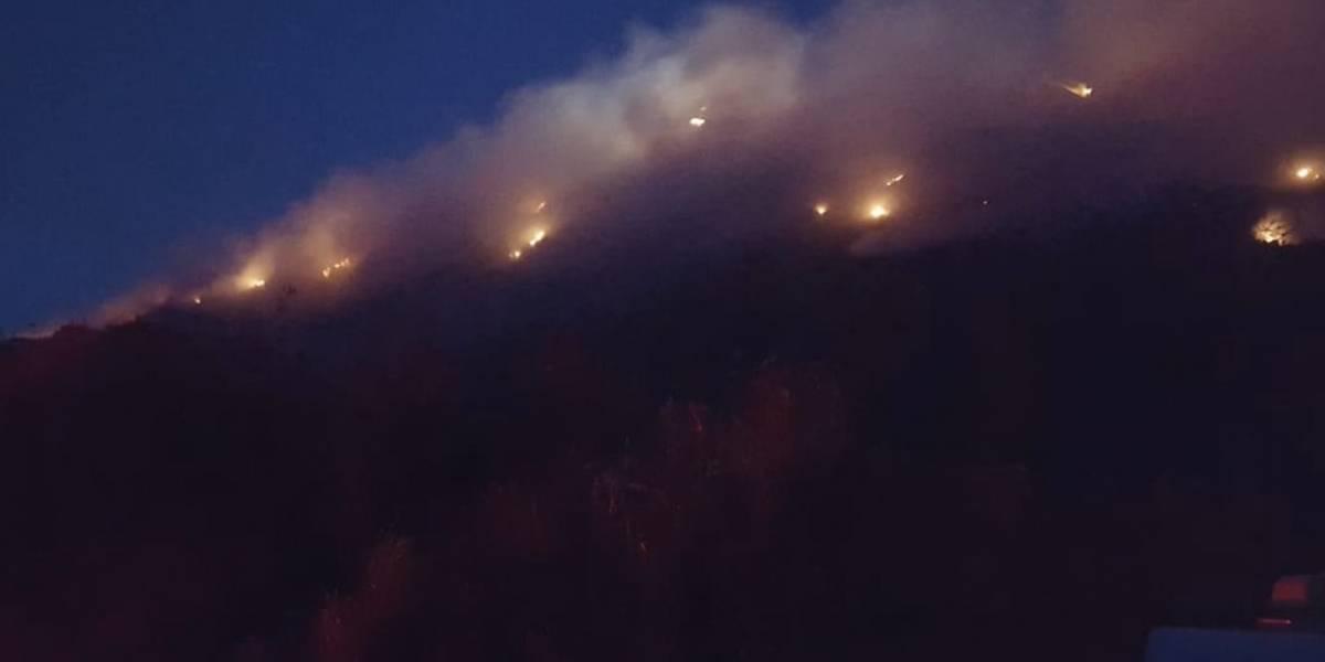 Fuego en vertedero de Vega Baja