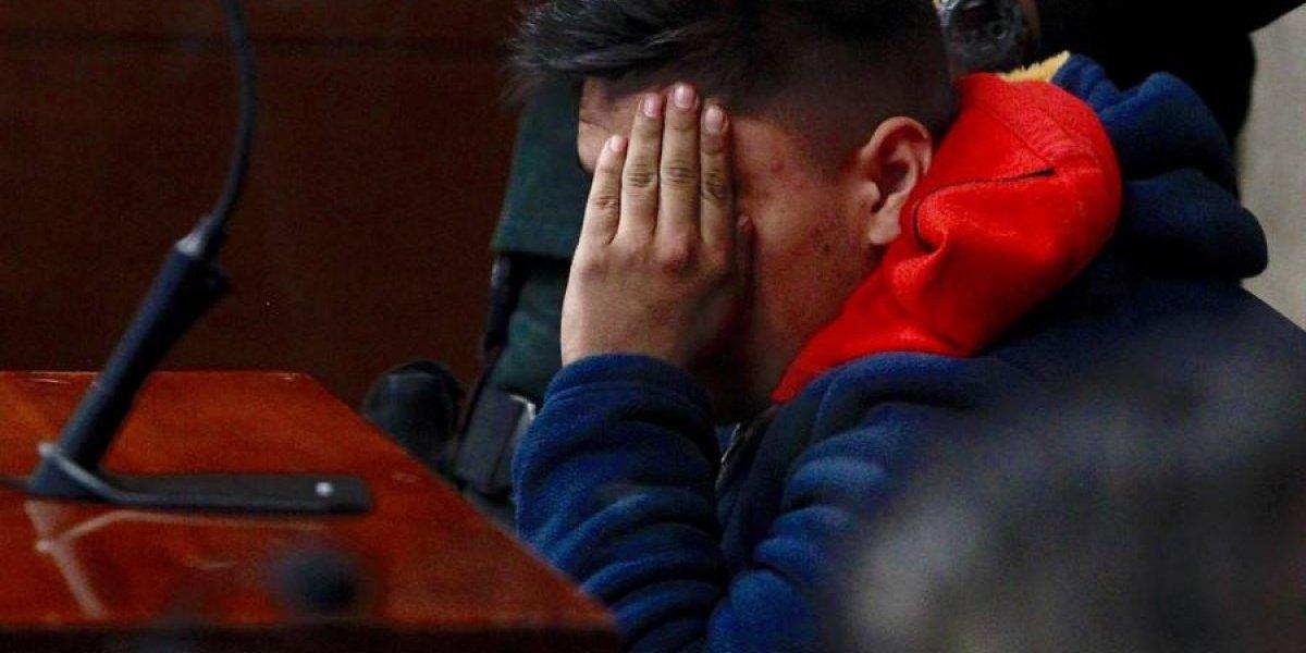 """Desmienten tesis de """"lo confundí con un sicario"""": Fiscalía dice que cabo Galindo tenía visible su chaleco de Carabineros"""
