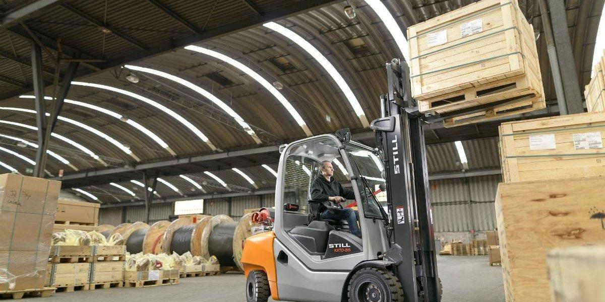 Still RX70, la primera grúa horquilla híbrida del mundo llega a Chile