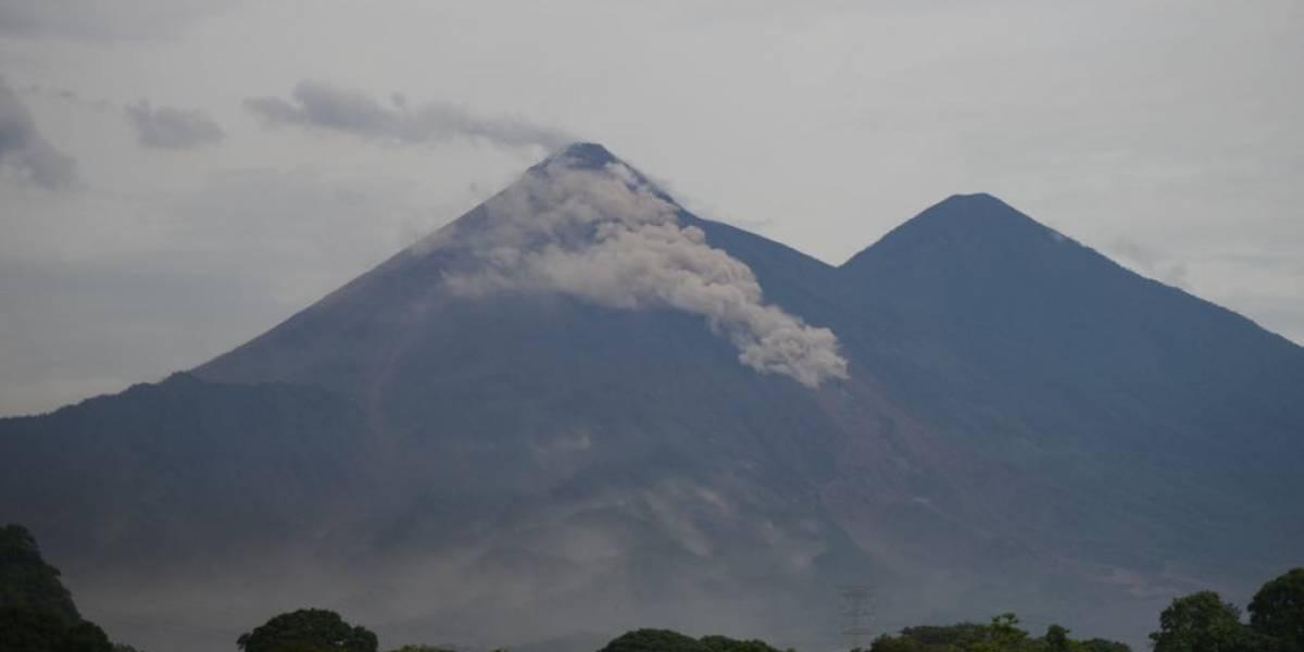 Insivumeh explica actividad que presenta el volcán de Fuego este viernes