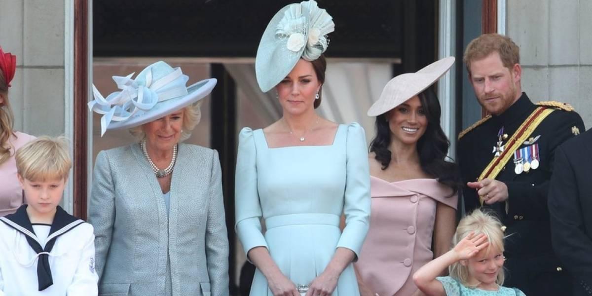De volta da lua de mel, príncipe Harry e Meghan Markle participam de desfile do aniversário da rainha Elizabeth 2ª