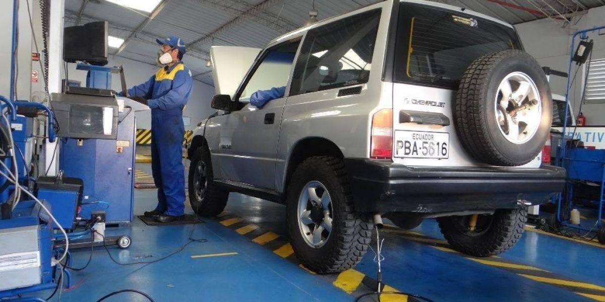 Quito: Nuevas citas para la Revisión Técnica Vehicular debido a fallas del sistema de recaudación