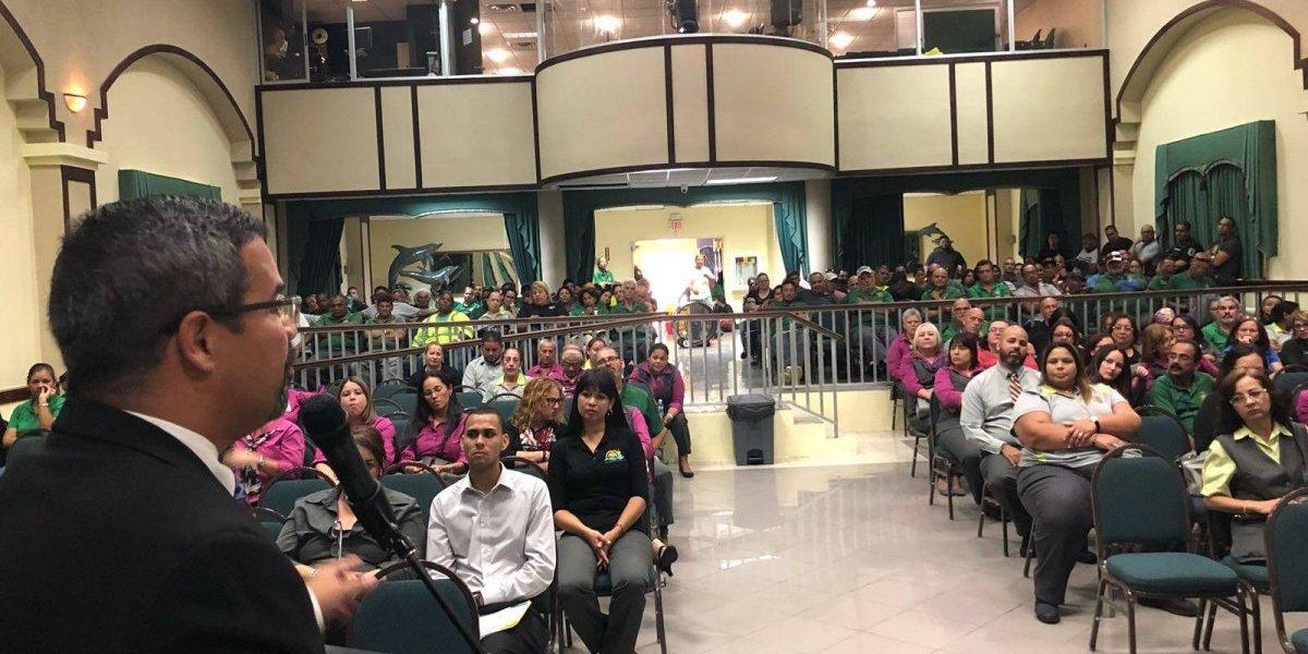 Restituyen jornada laboral a empleados municipales en Vega Baja