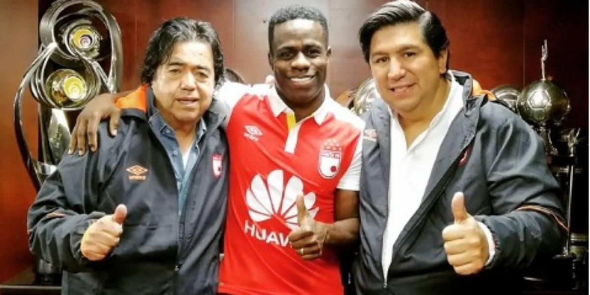 Carmelo Valencia fue presentado como nuevo jugador de Santa Fe