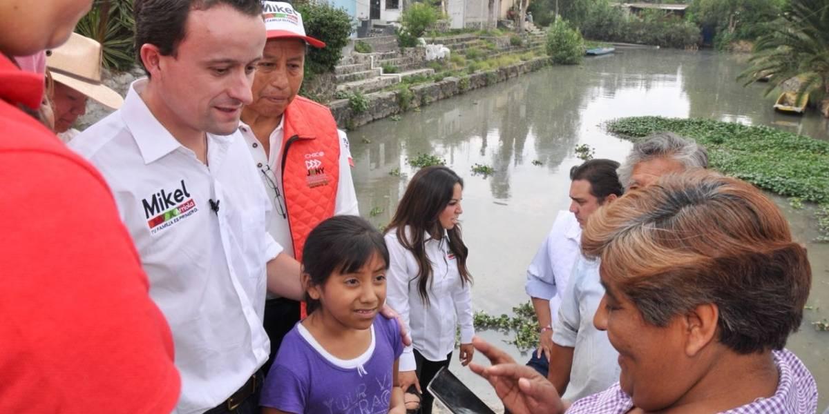 Mikel visita a damnificados olvidados por Morena y PRD en Xochimilco