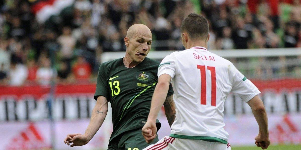 Errores de risa dan victoria a Australia, sobre Hungría