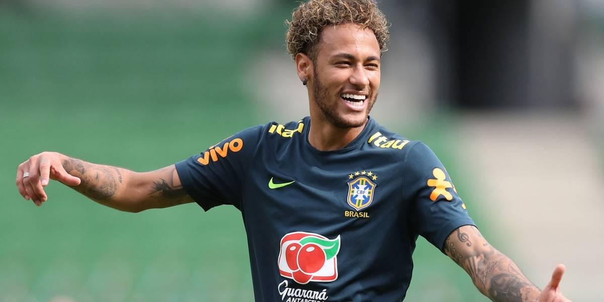 Tite confirma volta de Neymar como titular, mas evita adiantar time da estreia