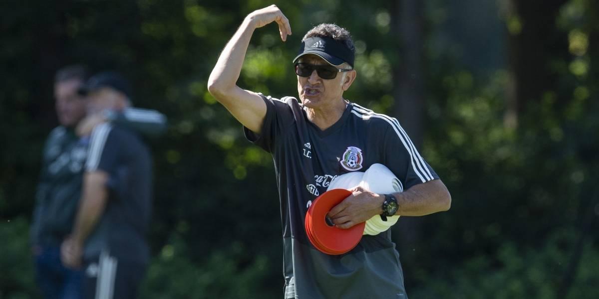 Osorio se mete en problemas con FIFA por tener 24 jugadores