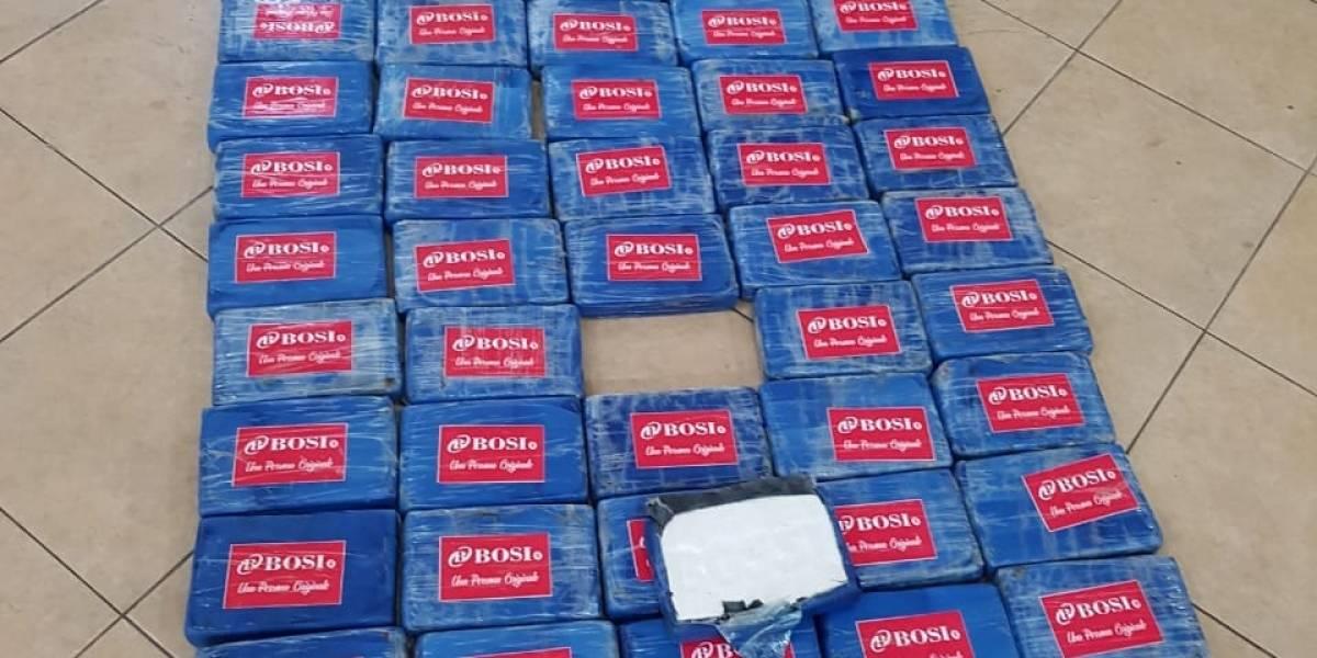 Guayaquil: Incautan 138 kilos de droga camuflados en flotadores en el Río Guayas