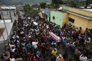 Entierro en San Juan Alotenango