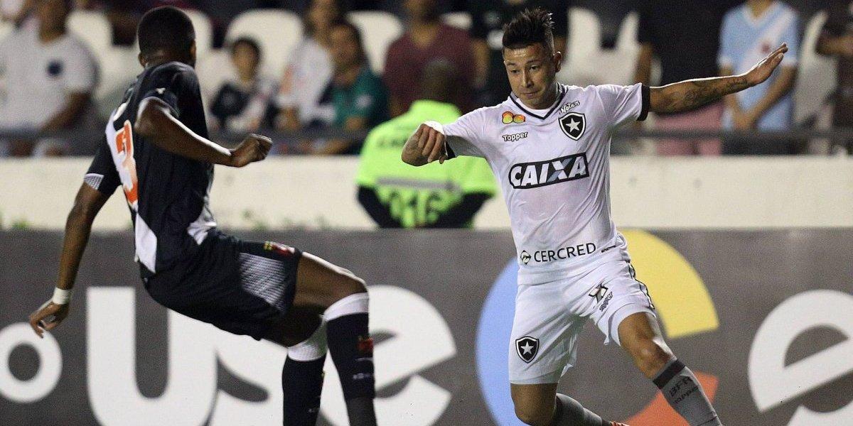 Leo Valencia sigue en racha con Botafogo y ahora se lució con un golazo de tiro libre